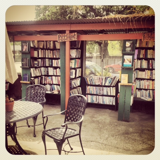 cutest little book shop ever.