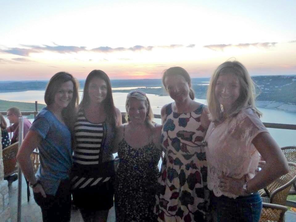 blurry girls, pretty sunset.
