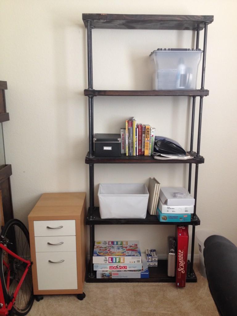 bookshelf_full