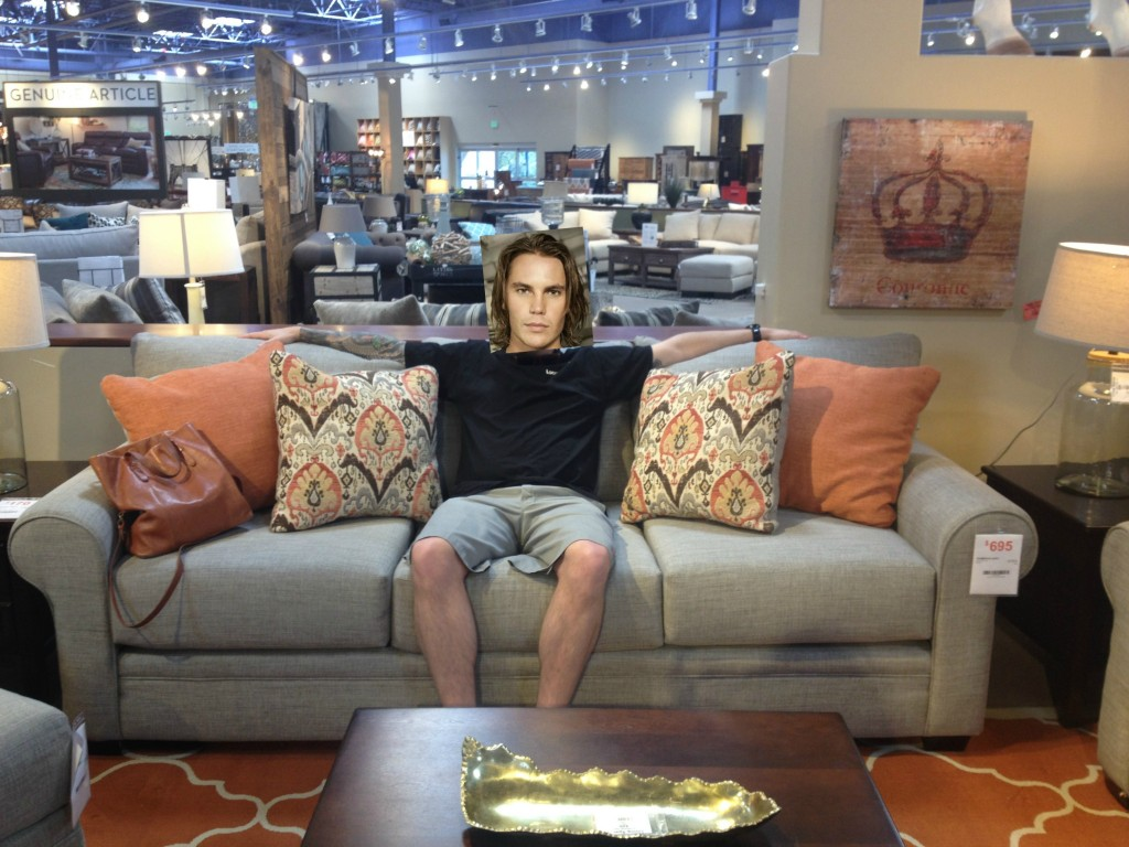 thompson couch_tim riggins