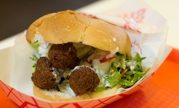 everyday-eats-falafel-sandwich