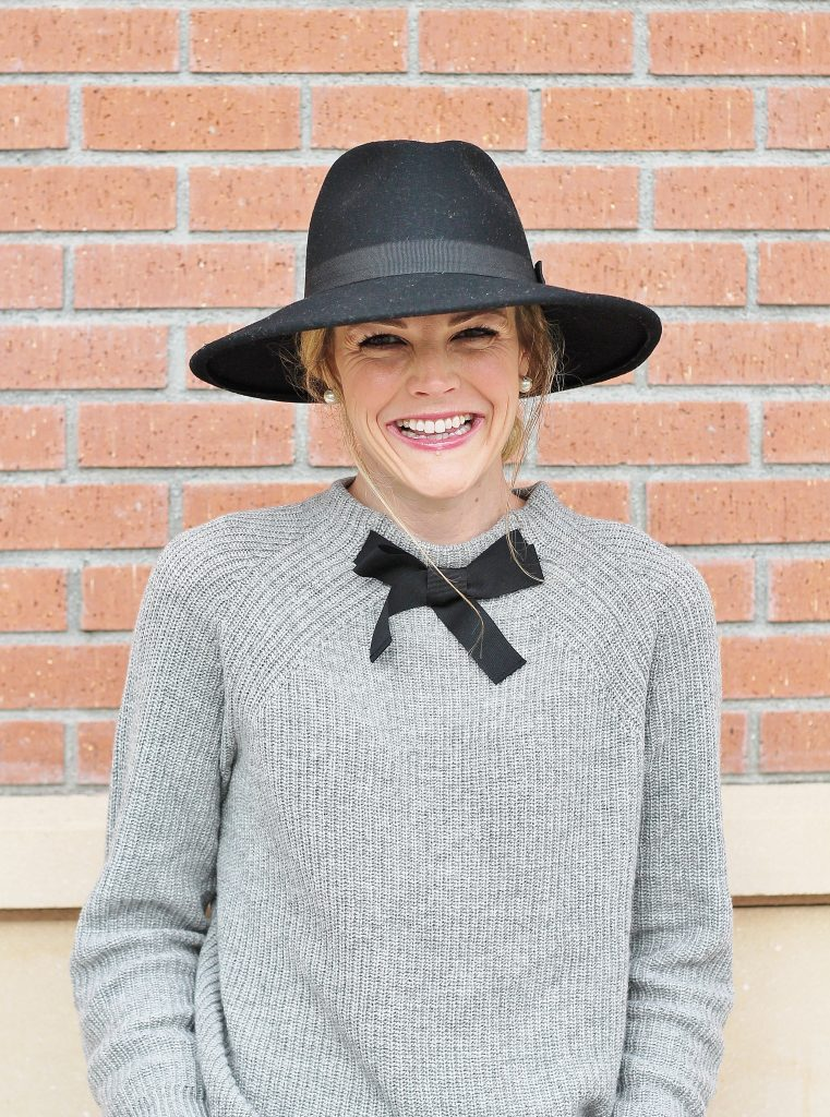 bow-sweater-52